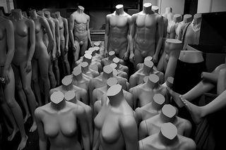 Mannequins-threaten-kenmore