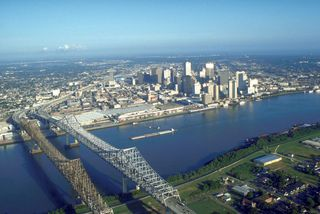 800px-usace_new_orleans_skyline