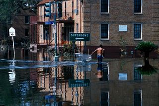 Hurricane_Katrina-5