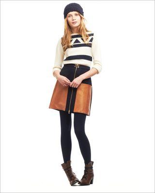 Lauren_moffat_shirt_and_skirt[1]
