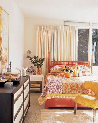 Trina-Turk-Elle-Decor-guest-room
